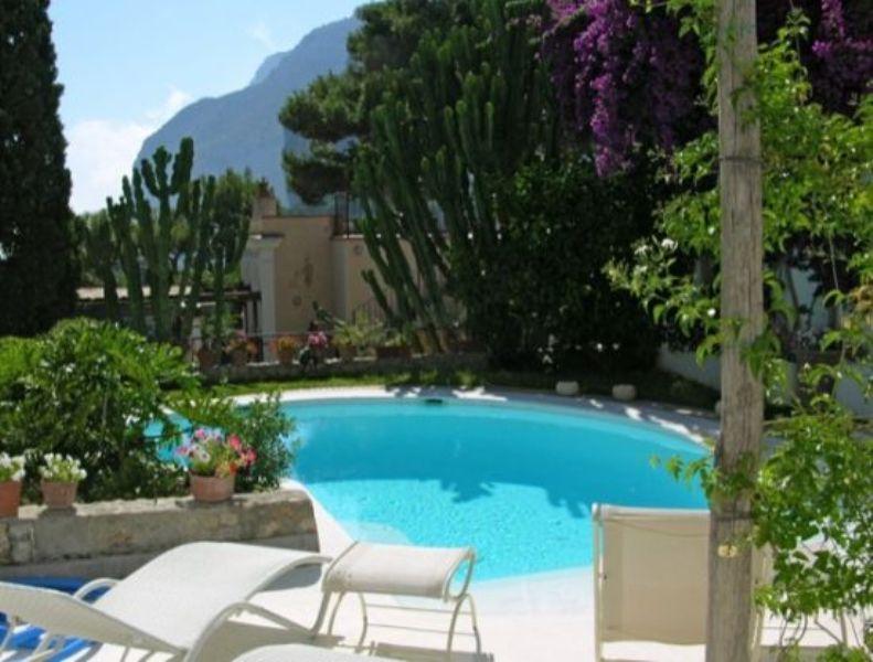 Villa camerelle capri luxury villas and ski chalet for Capri luxury villas